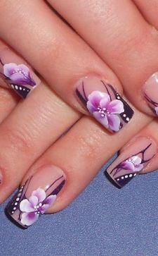 Китайская роспись ногтей — популярный тренд в нейл-арте
