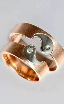 Необычные обручальные кольца: кому подойдут и как выбрать