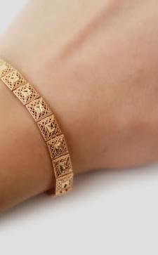 Женские браслеты на руку: украшения с характером