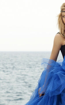 Синий цвет в одежде: психология цвета и стильные сочетания