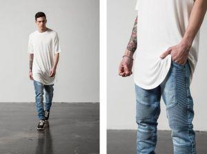 Длинные мужские футболки: трендовые вещи в базовом гардеробе