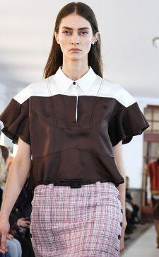 Блузки с коротким рукавом – стильный выбор городских модниц