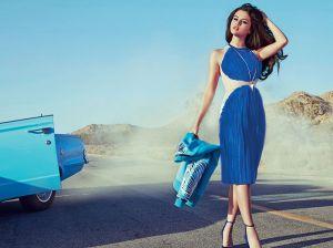 С чем носить синее платье: варианты образов на выход и на каждый день