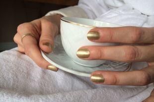 Роскошный золотой маникюр: оригинальный дизайн и простые приемы создания