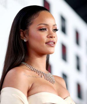 Стиль Рианны: что звезда предпочитает носить в жизни и на сцене
