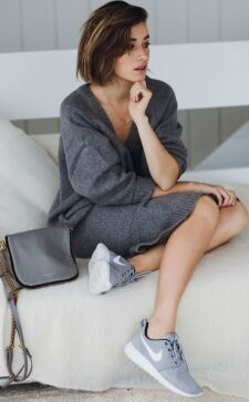 Модные трикотажные платья: красивые и удобные фасоны на каждый день