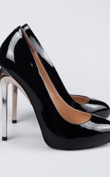 Черные лакированные туфли-лодочки и балетки