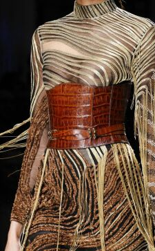 Широкие ремни: разновидности, как выбирать и с чем носить
