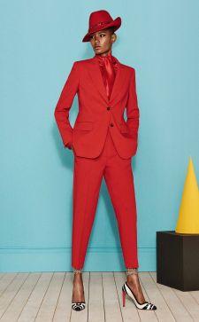 Красный пиджак в гардеробе: с чем носить и не выглядеть вульгарно