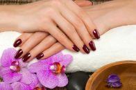 Раскрываем все секреты качественного маникюра: как ровно нанести лак на ногти и сделать красивое покрытие