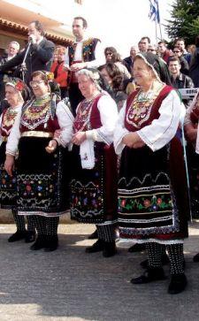 Греческий национальный костюм: элементы одежды, крой, специфика