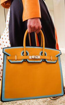 Деловые сумки в гардеробе: бизнес-образ в условиях города