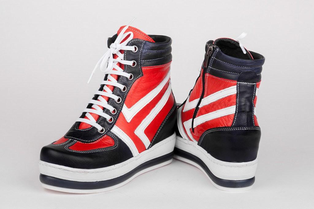 Ботинки в спортивном стиле