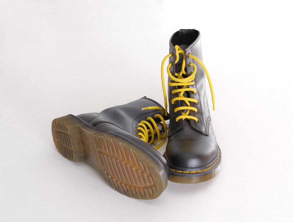 Ботинки на плоской подошве
