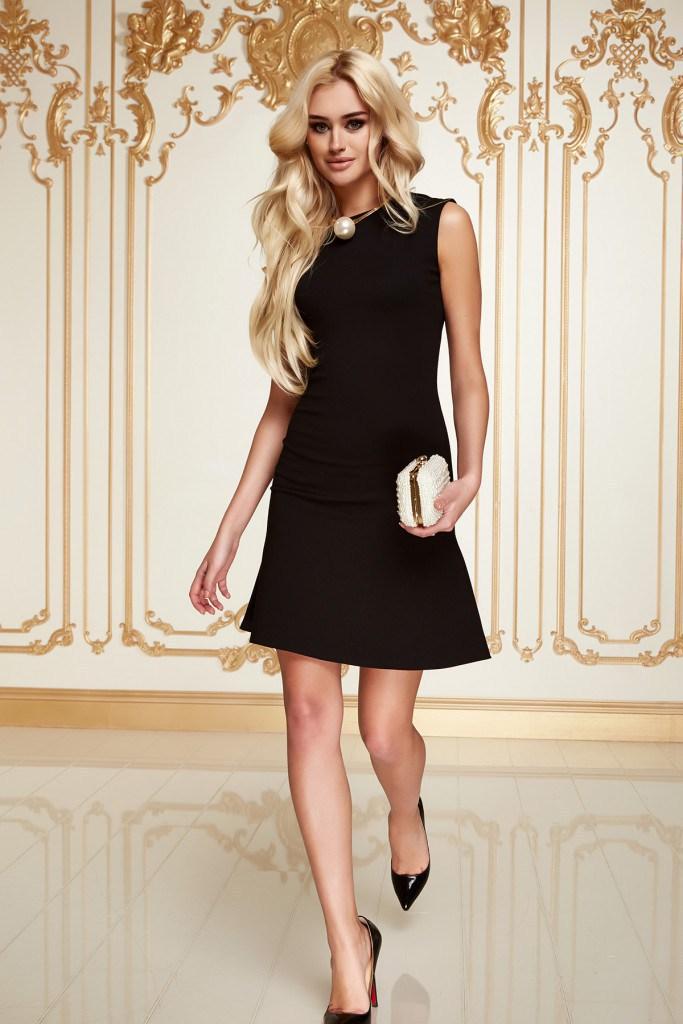 Повседневное черное платье