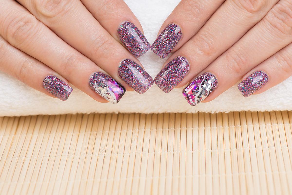 Ногти с блестками 2015
