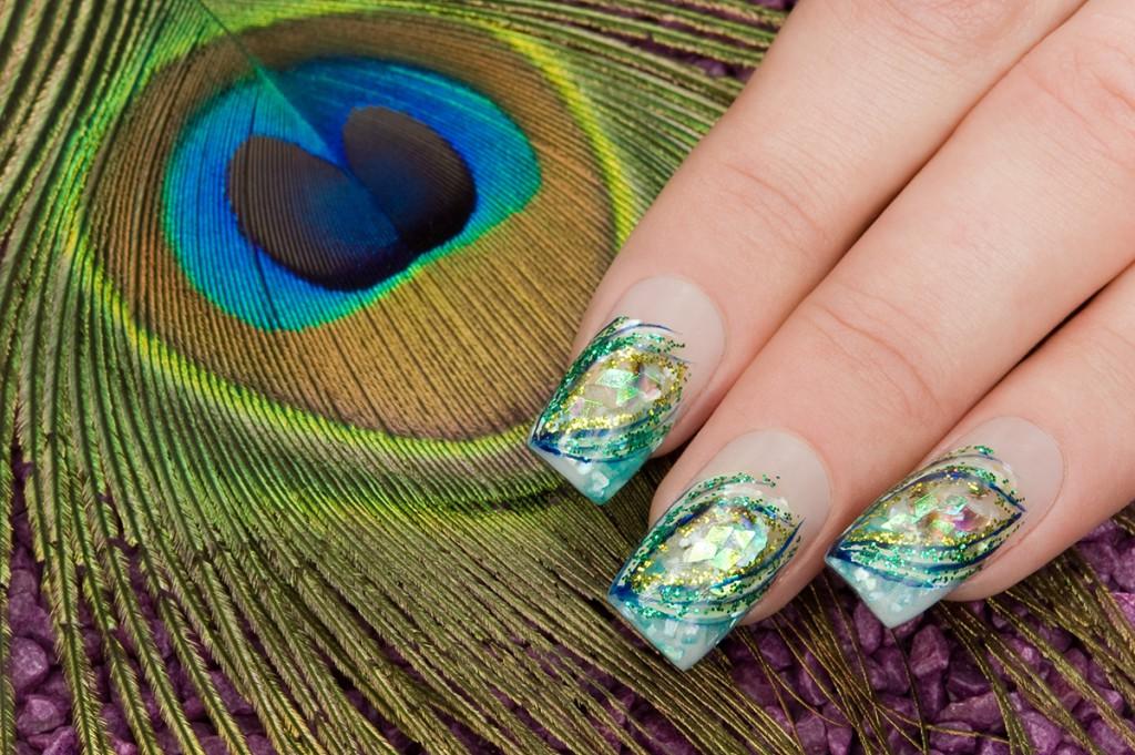 Аквариумный дизайн ногтей с блестками