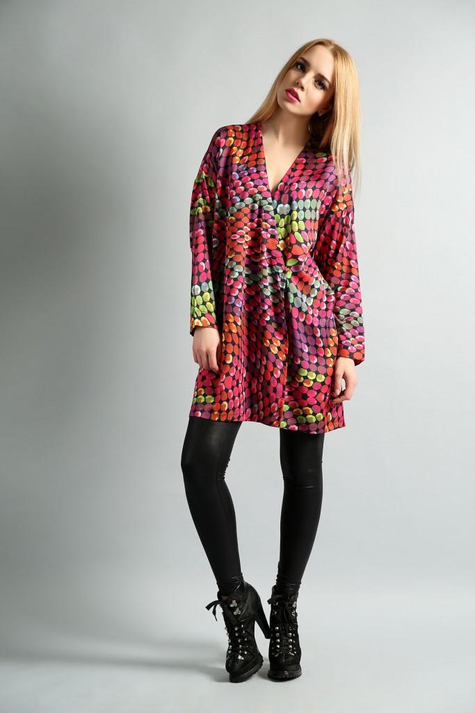 Модное яркое платье