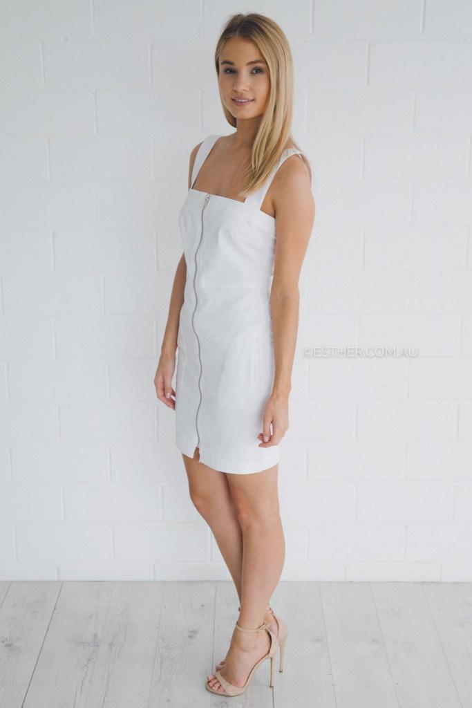 Платье из белого денима