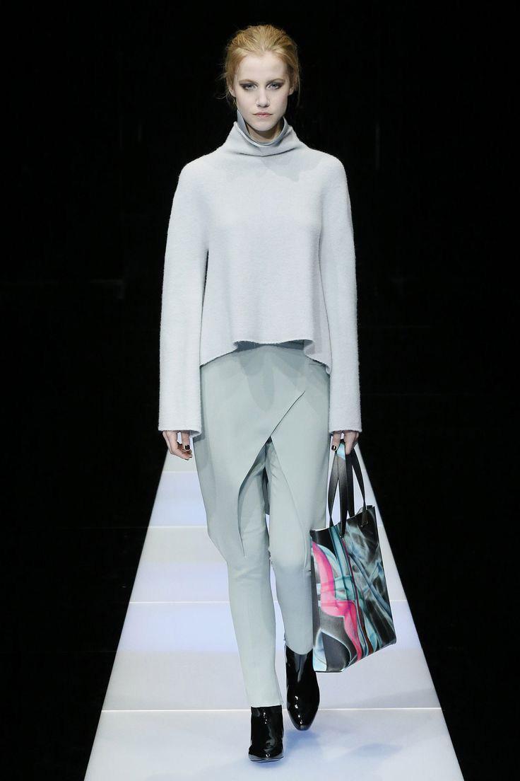 Самые популярные дизайнеры одежды сочи работа девушке