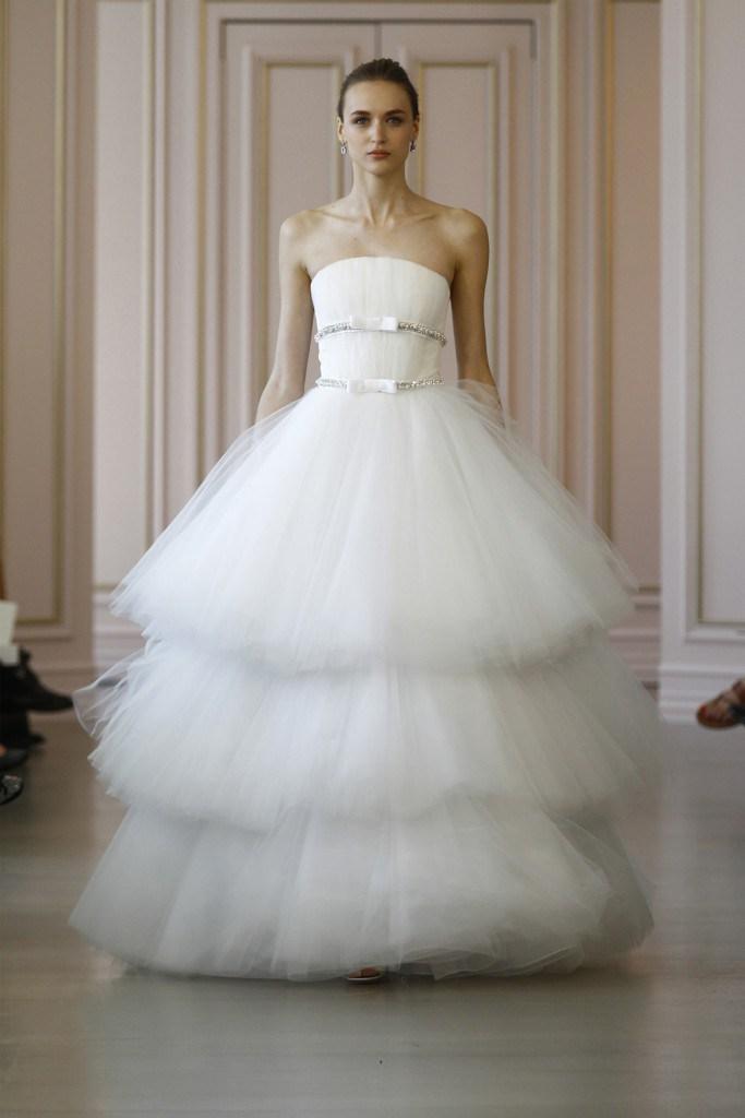 Свадебное платье из коллекции Oscar de la Renta 2016