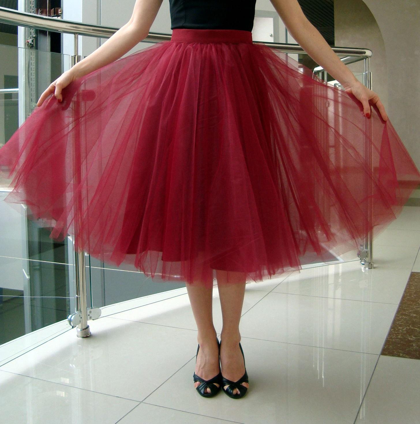 Юбки с фатина черно красная