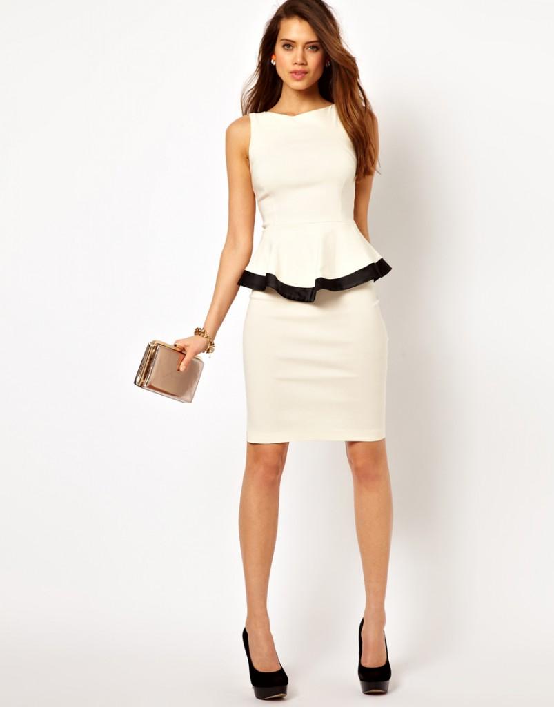 Платье с баской с клатчем