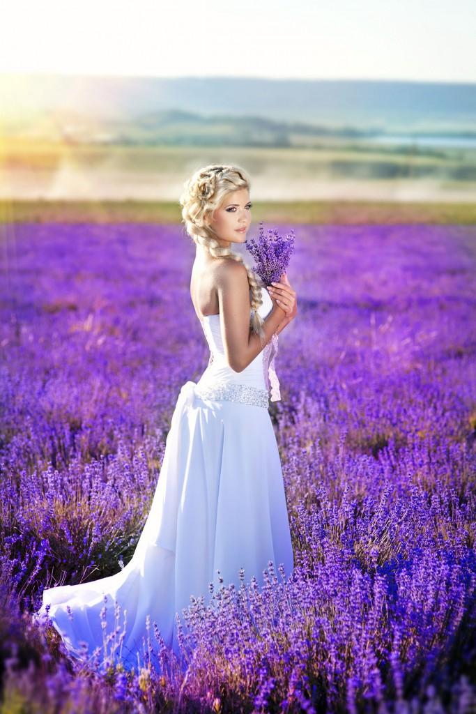 Свадебное платье с цветовым градиентом