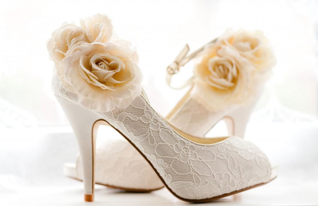 Свадебные туфли с розочками
