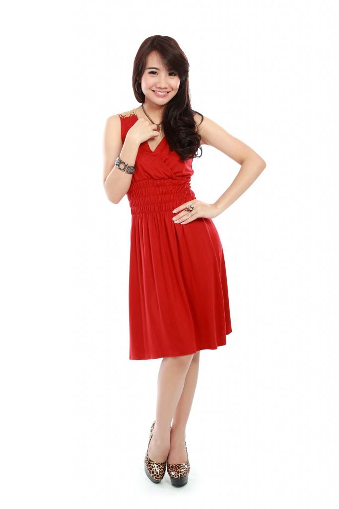 Красное платье с леопардовыми туфлями