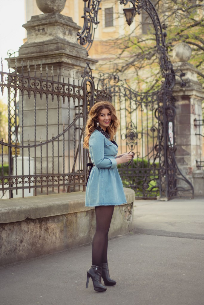 Модное джинсовое платье