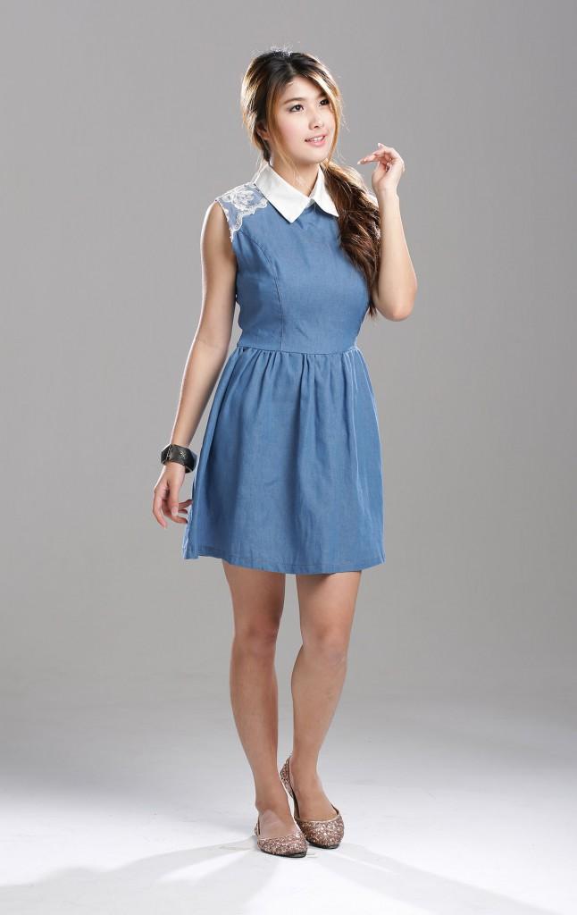 Джинсовое платье с выделенной талией