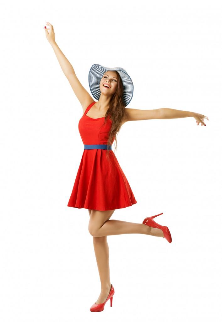 Красное платье с красными туфлями