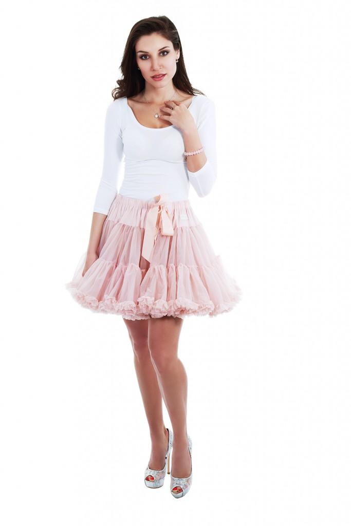 Короткая фатиновая юбка