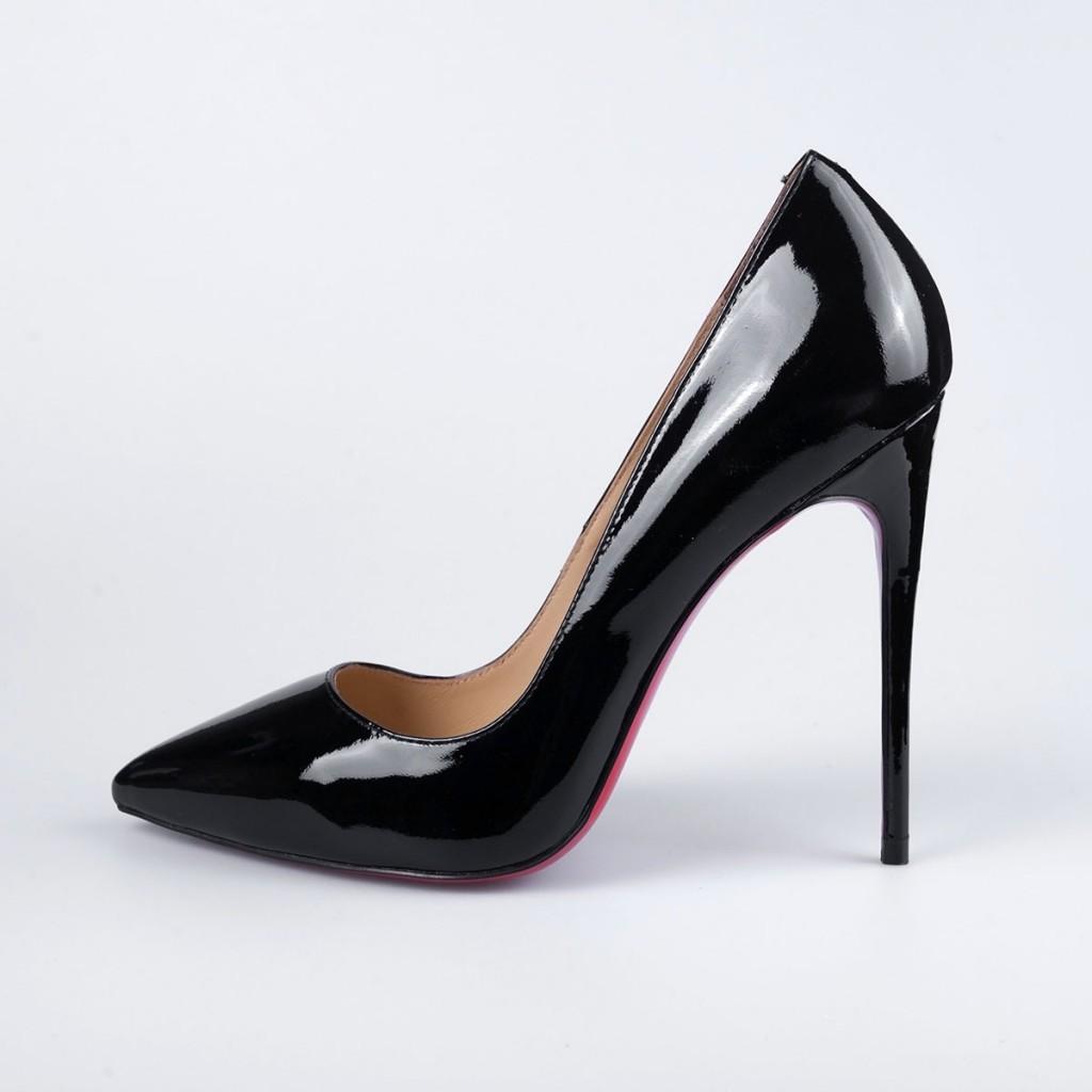 Черные лакированные туфли с острым носком