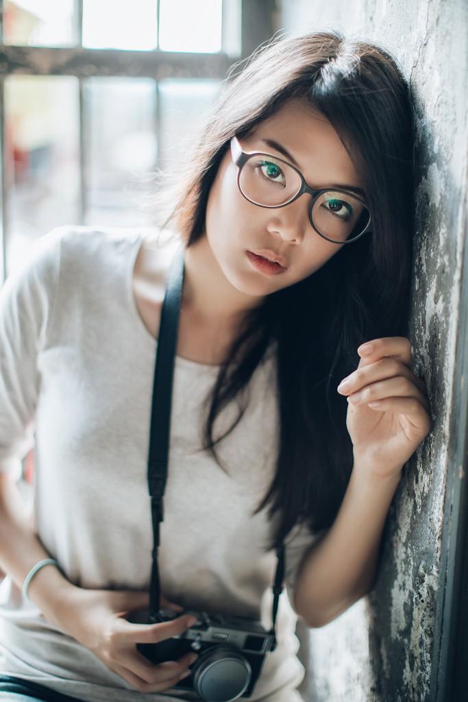 Модные очки для брюнеток