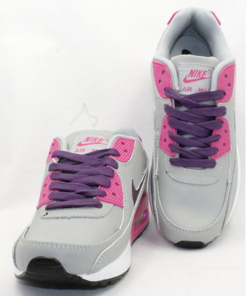 Яркие кроссовки для спорта