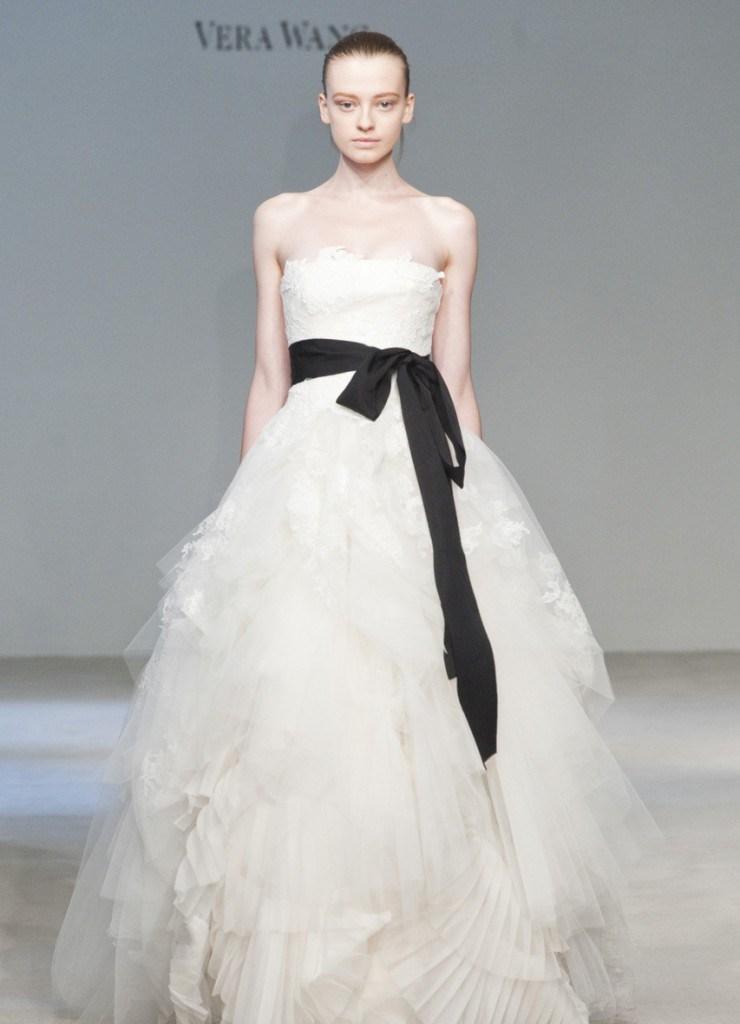 Свадебное платье от Monique Lhuillier
