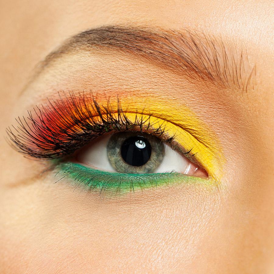 Разноцветные тени для серых глаз
