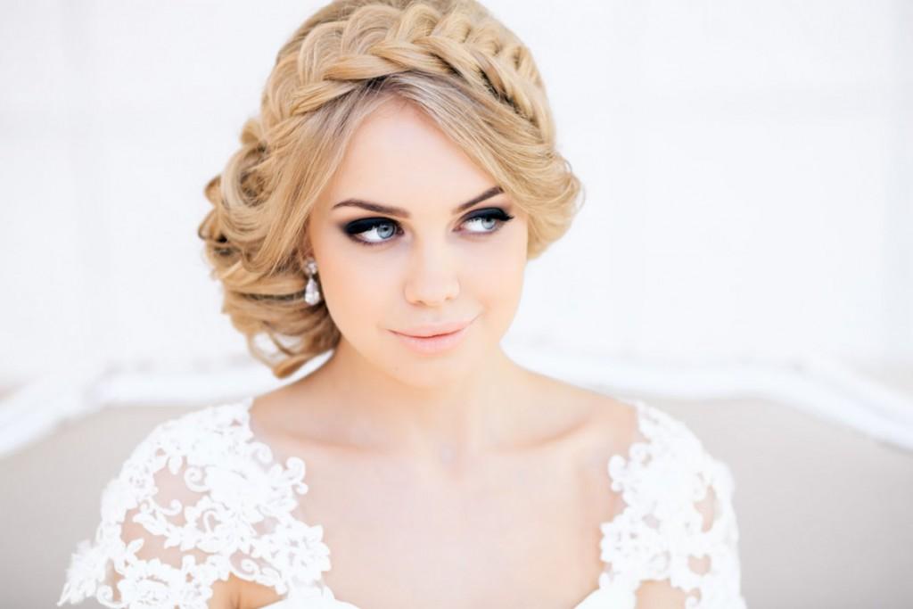 Свадебная прическа с косой