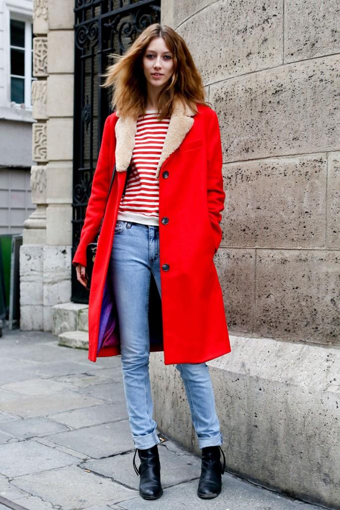 Красное пальто с ботинками