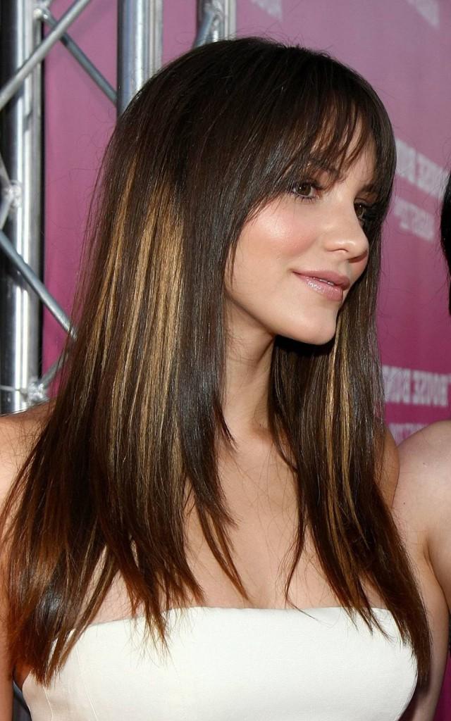 Стрижка лесенка на мелированные волосы