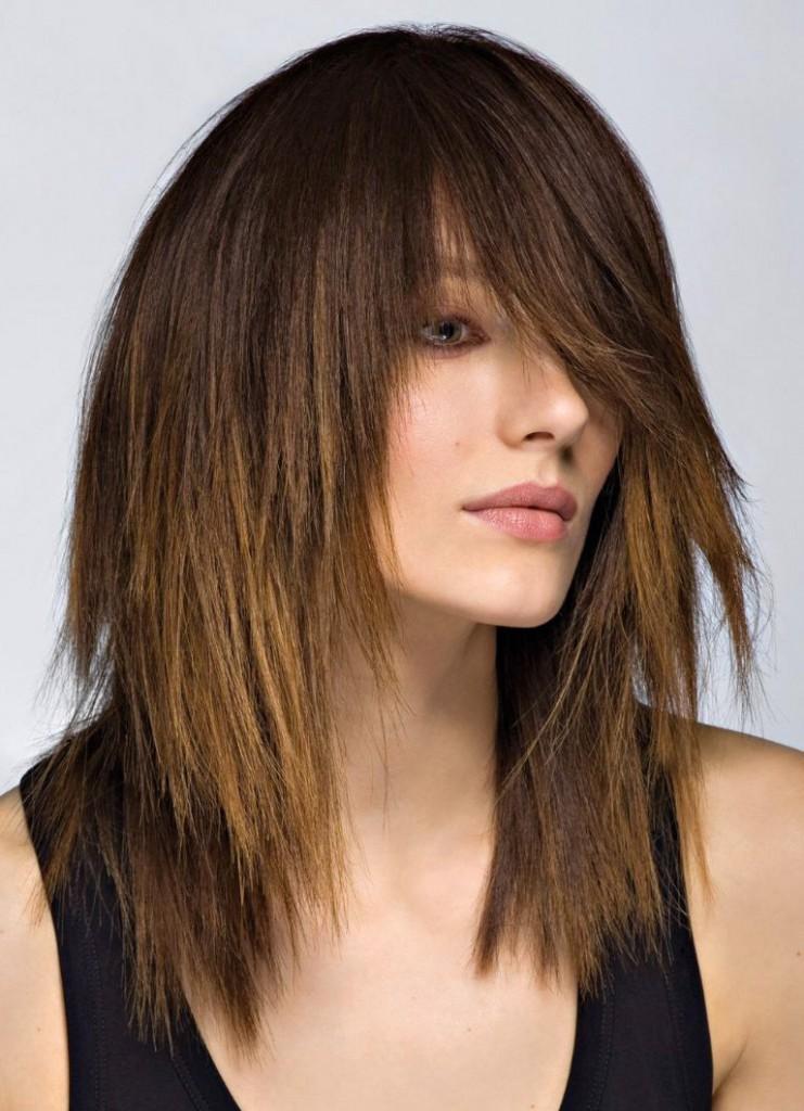 Стрижка лесенка на темные волосы