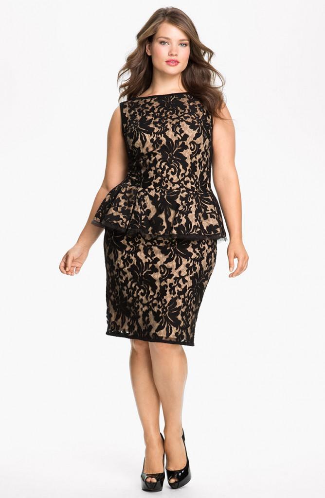Черные гипюровые платья с баской для полных дам