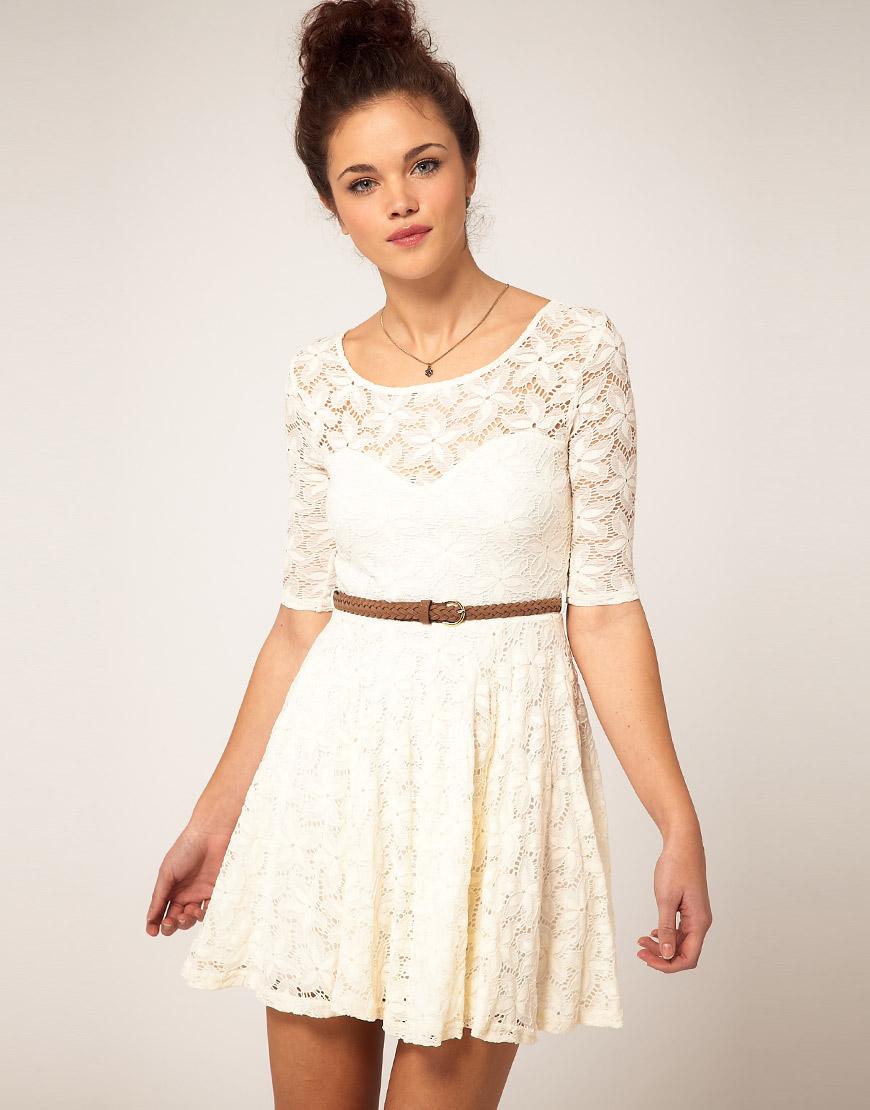 Белые платья с кружевным верхом