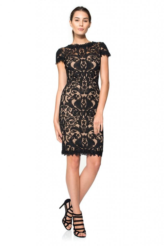 Черное деловое кружевное платье