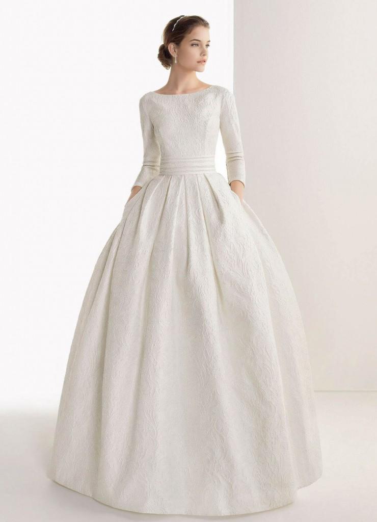 Свадебное платье с рукавами по локоть