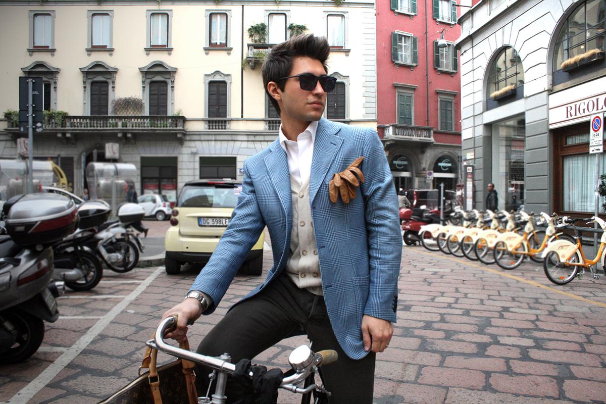 Голубой пиджак мужской с чем носить