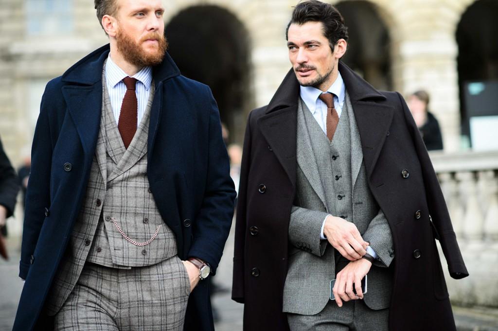 Модные серые мужские пиджаки