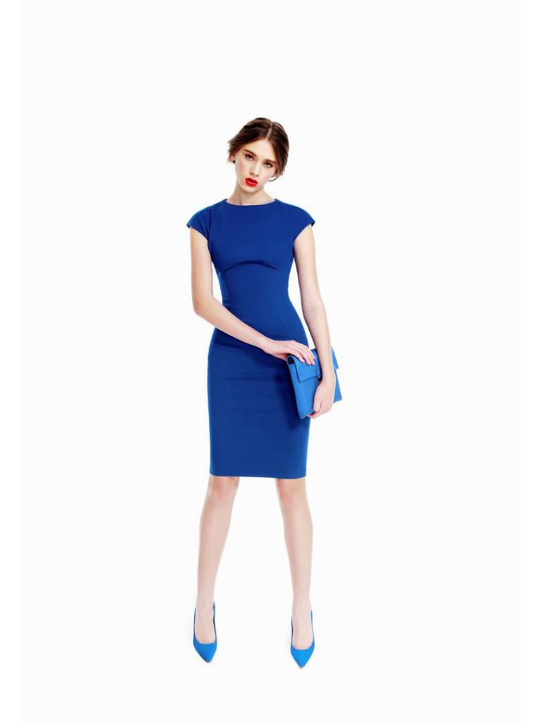 Синее платье-футляр
